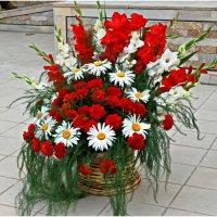 Корзина с цветами :: Юрий Владимирович