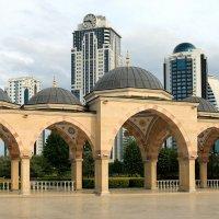 """мечеть """"Сердце Чечни"""" :: Илья Скупой"""