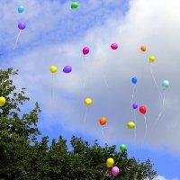 Отпускаем в небо фейерверк шаров. :: Валентина ツ ღ✿ღ