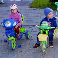 Велосипедисты :: Александр Прокудин
