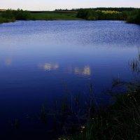 Синее  озеро... :: Валерия  Полещикова