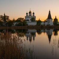 Предзакатное безмолвие Иосифо-Волоцкого монастыря :: Alexander Petrukhin