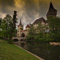 Замок Вайдахуняд(Будапешт) :: михаил