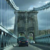 Проезжая по мосту Менай :: Natalia Harries
