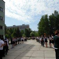 Последний школьный звонок 25 мая . :: Мила Бовкун