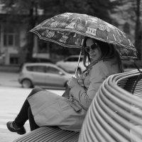 Девушка под зонтом :: Светлана Курцева