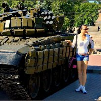 Девушка с танком :: Кай-8 (Ярослав) Забелин