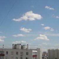 Последние майские облака над Москвой :: Валерий