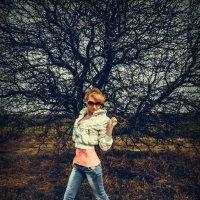 Необычное дерево :: Виктория Бессонова