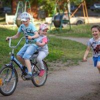 Ребята с нашего двора... :: Виктор Грузнов