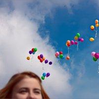 Прощальные шары... :: Александр