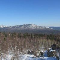 Вид на Большой Таганай с Чёрной скалы :: Олег  Царёв