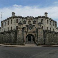 Еще одна крепость в Гаване. Куба :: Юрий Поляков