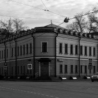 угловой дом :: Дмитрий Паченков