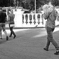 В парке. :: Валерий Молоток