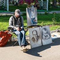 Уличный художник. :: Валерий Молоток