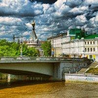 Мой город на мутной реке :: Вячеслав Владимирович