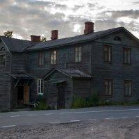 Дом у дороги :: Евгений Астахов