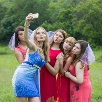 Селфи на девичнике :: Дина Горбачева