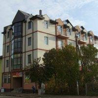 Жилой  дом  в  Богородчанах :: Андрей  Васильевич Коляскин