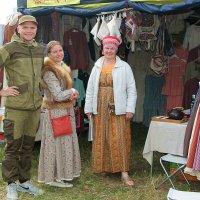 На ярмарке в селе Великорецком. :: Любовь