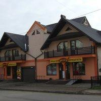 Торговый  дом  в  Богородчанах :: Андрей  Васильевич Коляскин