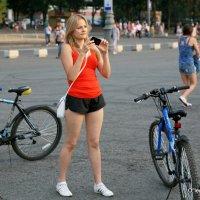 девушка и велосипеды :: Олег Лукьянов