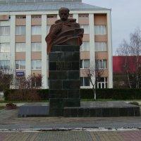 Памятник  Тарасу  Шевченко  в  Богородчанах :: Андрей  Васильевич Коляскин