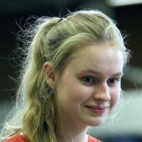 девочка после награждения :: Олег Лукьянов