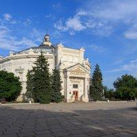 Здание панорамы обороны Севастополя :: Александр Чудесенко