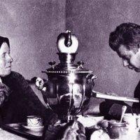 Сергей Есенин с матерью :: Надежда