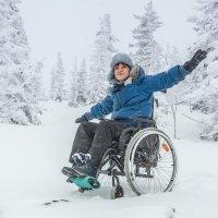 Преодолевая снежные сугробы (только вперед) :: Юрий Лобачев