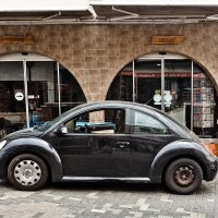 Автомобиль на улочках Паралимни :: Татьяна Губина