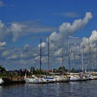 Регата на Обвинском заливе у Ильинского :: Валерий Симонов