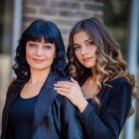 Мама и дочь :: Наталья Мирошниченко