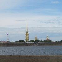 С видом на Петропавловскую крепость :: Маера Урусова
