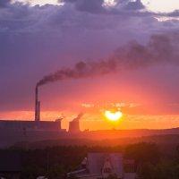 Закат на производстве облаков :: Елена Баландина