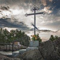 На развалинах разрушенной церкви... :: Сергей Смоляков