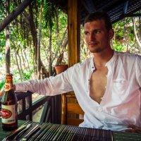 Отдыхаю за бокальчиком ледяного :: Дмитрий Тафров