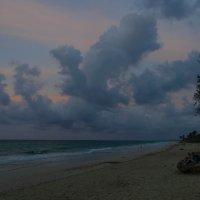 Вечером на берегу Атлантики, Куба (вариант 1) :: Юрий Поляков