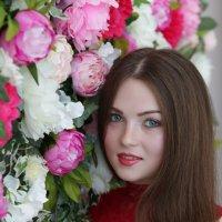 Девушка в цветах.. :: Светлана Курцева