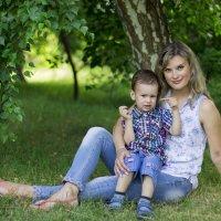 мама и сынок :: Виктория Кузьмичёва