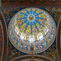 Сошествие Святого Духа. Роспись купола храма. :: Elena Izotova