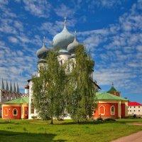 Успенский собор Тихвинского монастыря :: Константин