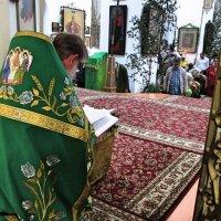 Коленопреклонная молитва - бывает один раз в году. :: Sergey Serebrykov