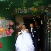 Невеста вылетает из родительского гнезда :: Нина Корешкова