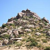 В горах Памира...Нуратинский хребет в Узбекистане :: Юрий Владимирович