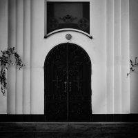 Врата :: Руслан Сазонов