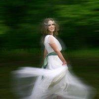Невеста в танце :: Галина Ильясова
