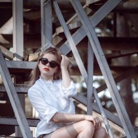 industrial girl :: ferro